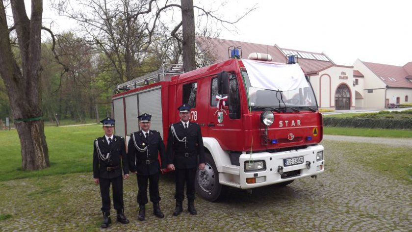 (FOTO) Uroczyste przekazanie samochodu ratowniczo-gaśniczego dla OSP Krotoszyce