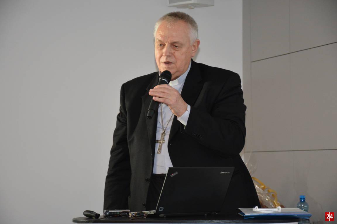 (FOTO, FILM) Wykład Biskupa Legnickiego w Jaworze