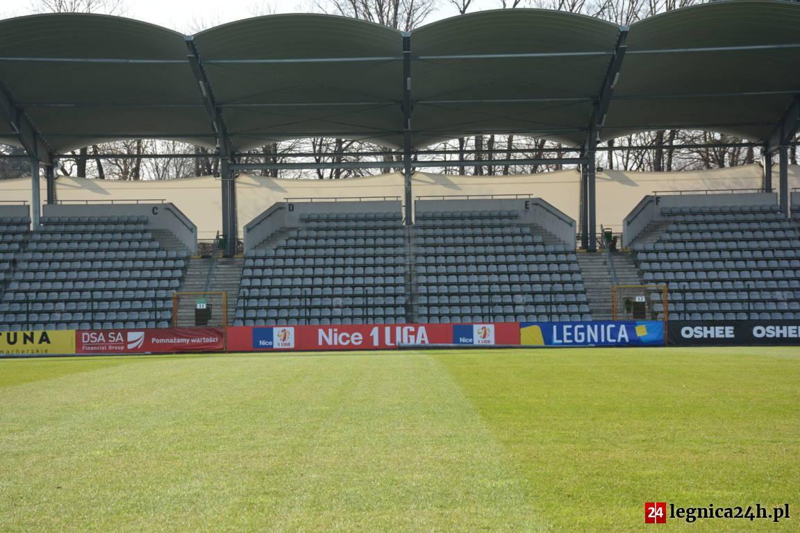 PILNE: Zmiana godziny meczu Miedzi z Wigrami! Kamery Polsatu w Legnicy
