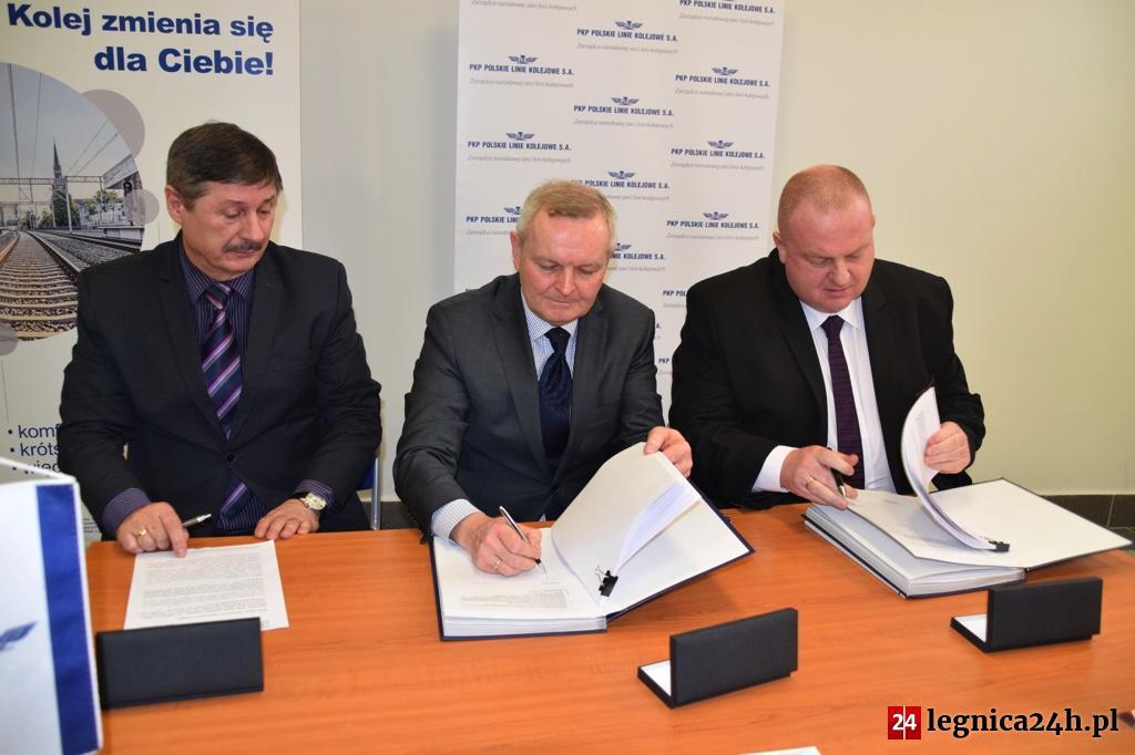 Umowa podpisana. Rusza przebudowa stacji Legnica