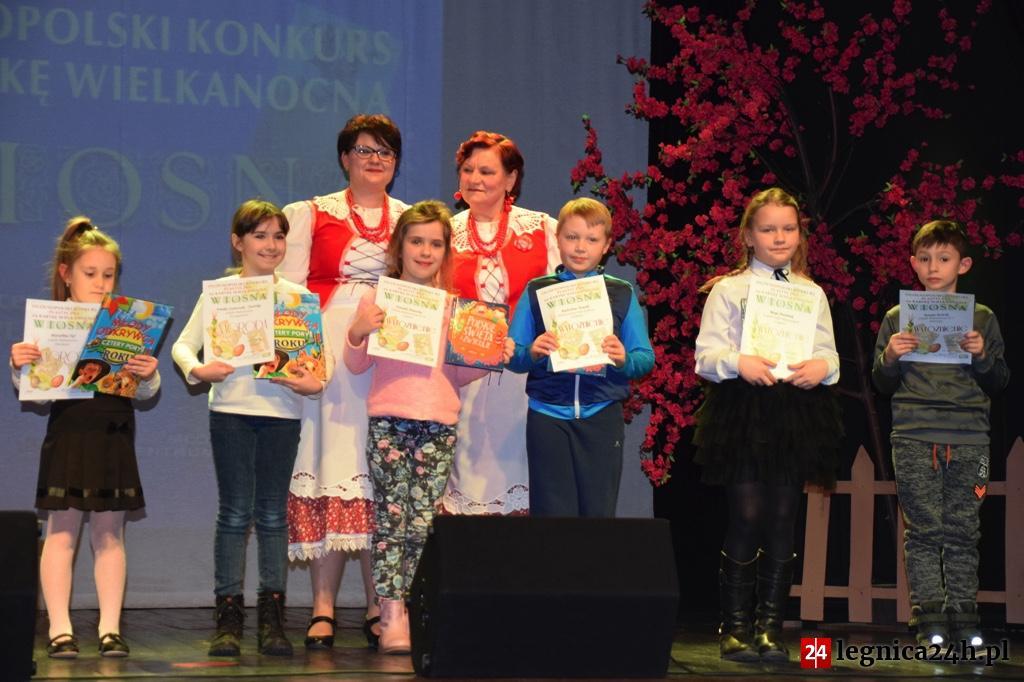 """(FOTO) Legnica: Podsumowanie Ogólnopolskiego Konkursu na Kartkę Wielkanocną """"Wiosna"""""""