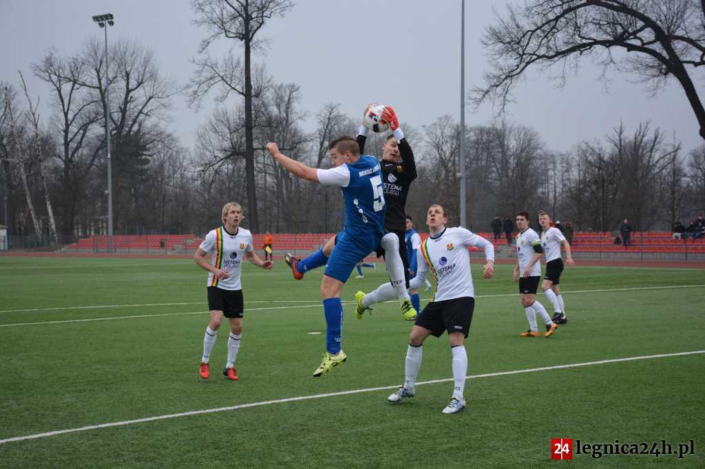 (FILM, FOTO) III liga: Stal nie pękła w Legnicy