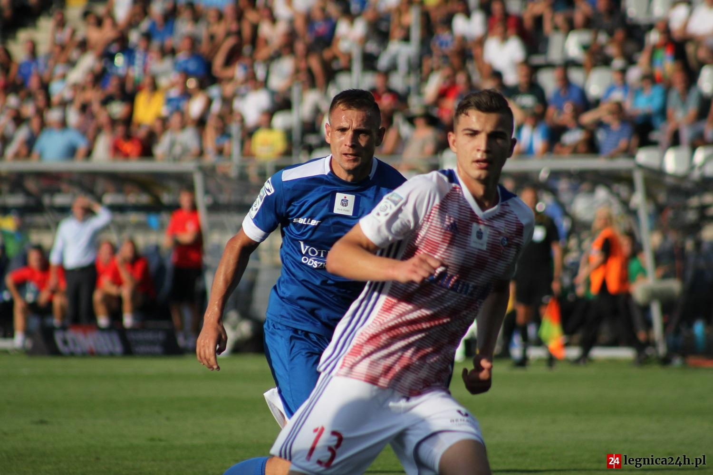 Mateusz Piątkowski choć strzelił bramkę, pozostał w cieniu piłkarzy Górnika.
