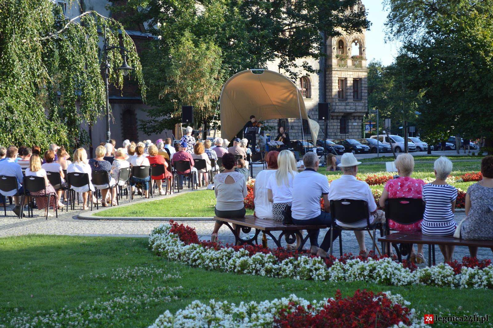 (FOTO) Kolejny koncert na skwerze za nami