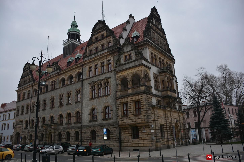 Czym zajmują się gminy, powiaty i województwa? To warto wiedzieć przed wyborami!
