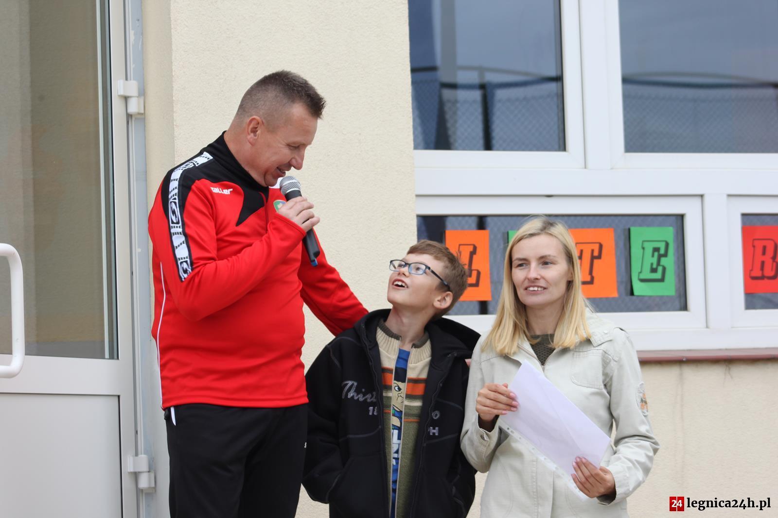 (FOTO) Festyn charytatywny dla Wiktora – Szkoła Podstawowa w Spalonej