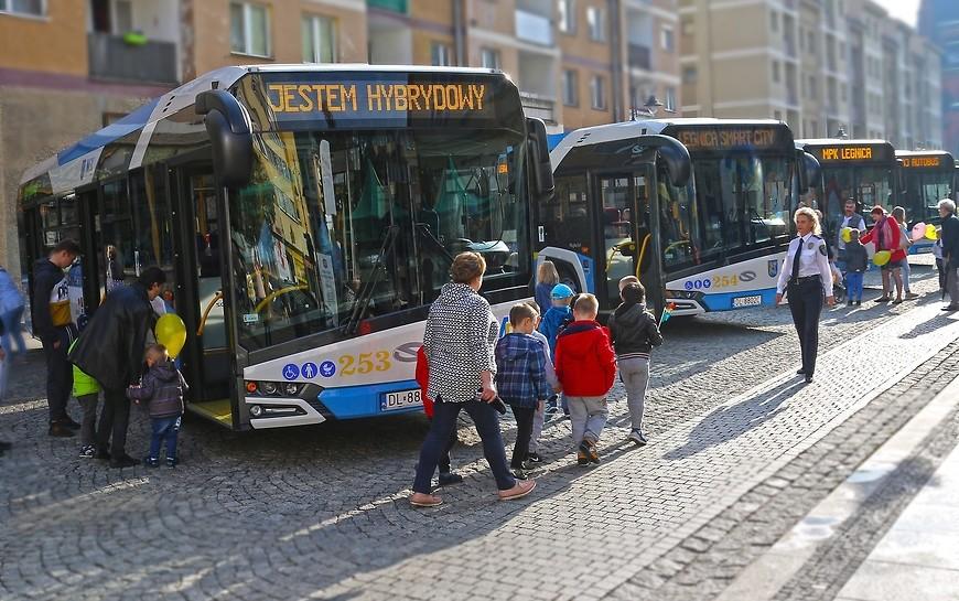 Hybrydowe autobusy dla legniczan