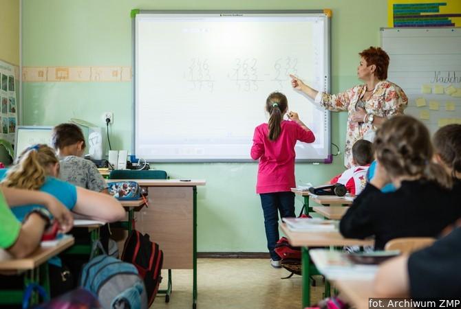 Miasta chcą zmian w wynagradzaniu nauczycieli