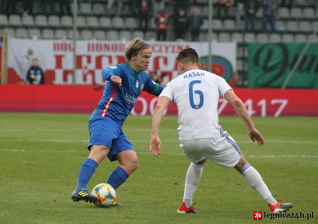 W ostatniej kolejce Miedź Legnica i Wisła Płock stoczą ze sobą korespondencyjny pojedynek.