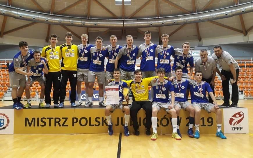 Piłkarze ręczni Siódemki Huras Legnica wywalczyli wicemistrzostwo kraju juniorów