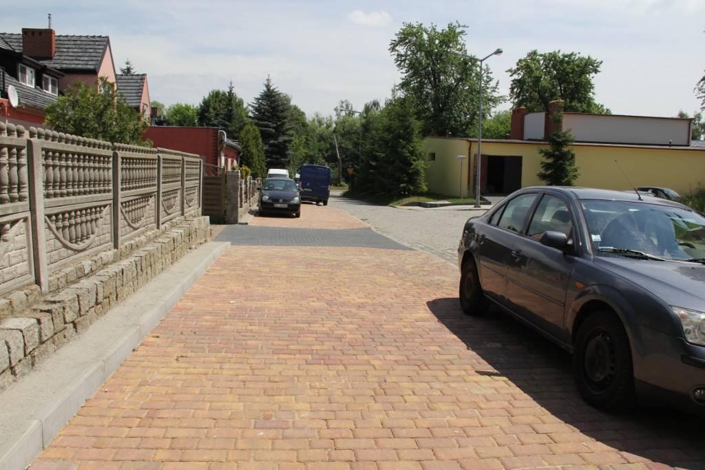 Mieszkańcy ul. Stanisławowskiej i Lwowskiej mają nowy i wygodny chodnik