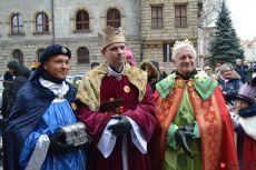 (FOTO) Orszak Trzech Króli przeszedł ulicami Legnicy